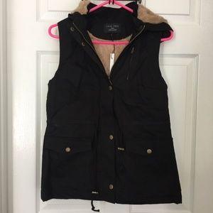 🛍 Faux Fur Lined Vest - Black